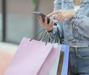 Gift shopper services